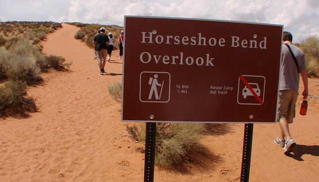 arizona-horseshoe-bend-parking