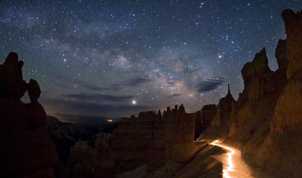 Bryce-Canyon_night_sky