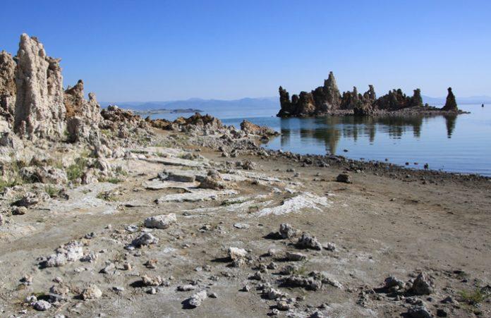Mono-Lake-Jezioro-Kalifronia