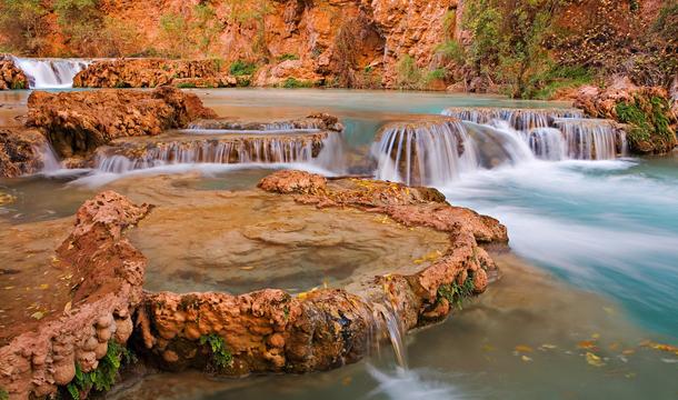 Wodospad Havasu w Arizonie - lazurowa woda