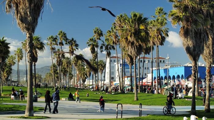 Plaza-Venice-Beach-LA-1