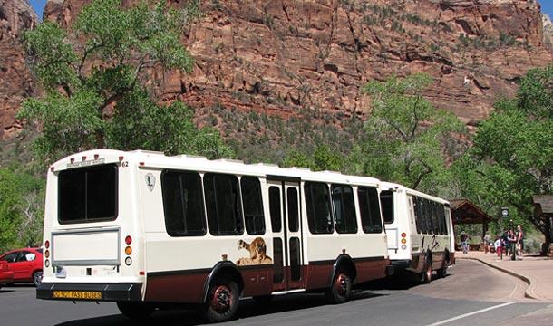 park-narodowy-zion-autobus