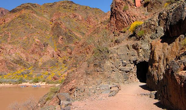 kanion-kolorado-tunel