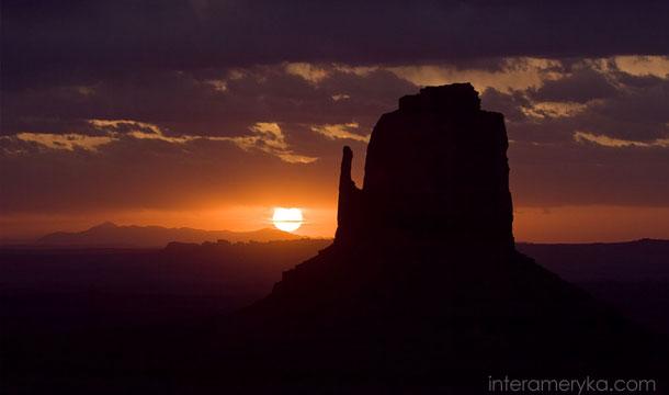 dolina-monumentów-arizona-3