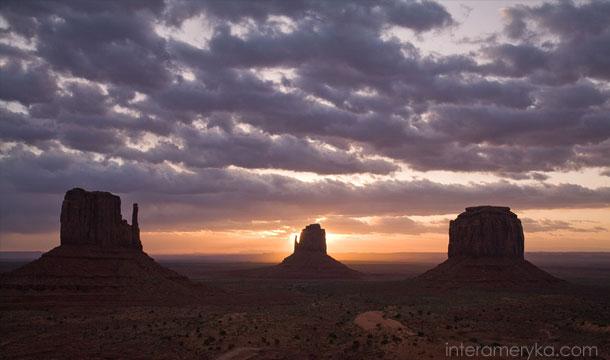 dolina-monumentów-arizona-4