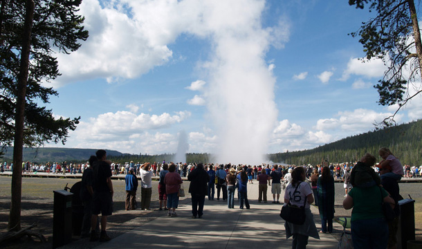 Park-Yellowstone-old-faithful