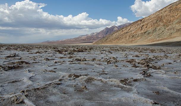 Badwater w Dolinie Śmierci