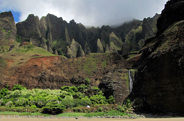 Hawaje-gory-i-plaza
