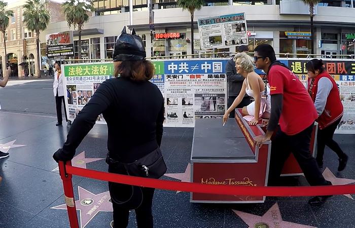 Aleja-Hollywood-turyści