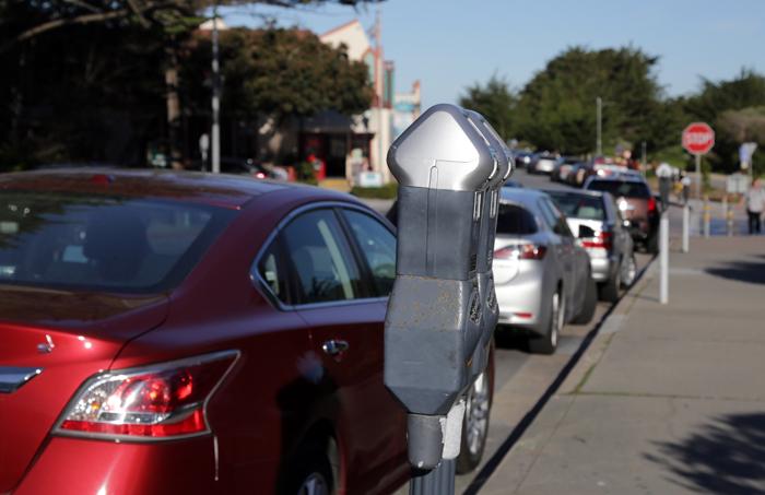 Parking-przy-ulicy-San-Franciso