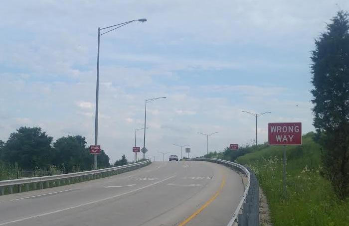 Zjazd-z-autostrady-wrong-way