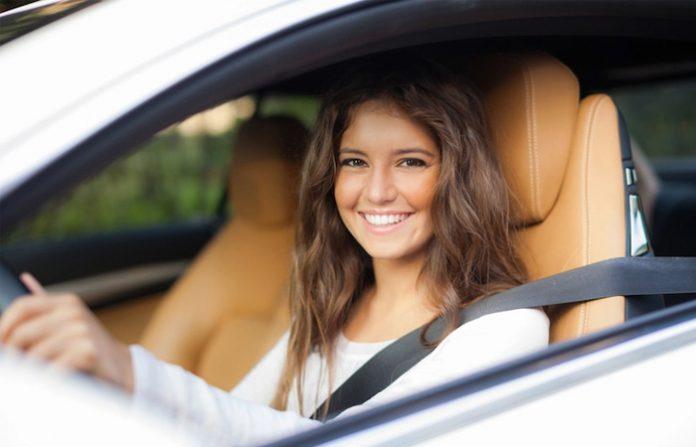 Wynajem-samochodu-USA-nastolatki