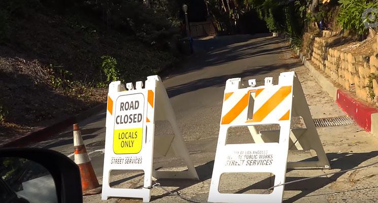 Zamknięta Droga do znaku Hollywood