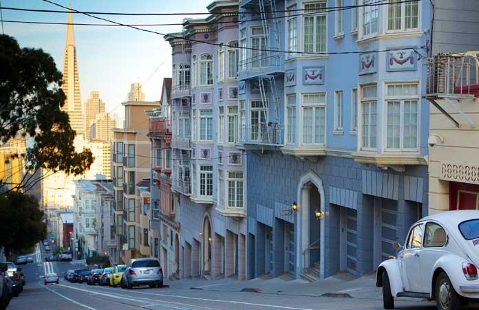 Ulica i hotel w San Francisco