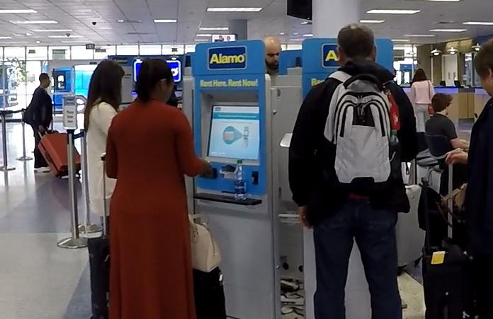 Wynajem samochodu w USA - automatyczny kiosk