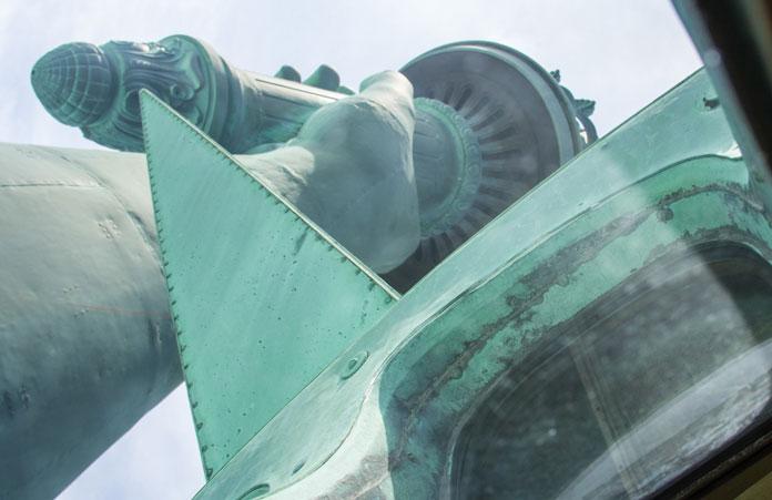 statua-wolności-taras-korona