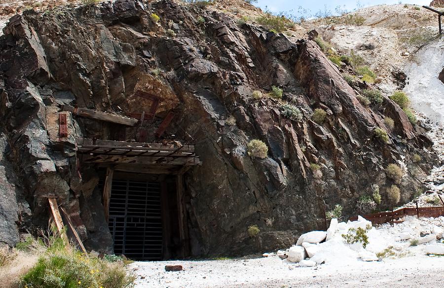Opuszczona kopalnia w Dolinie Śmierci